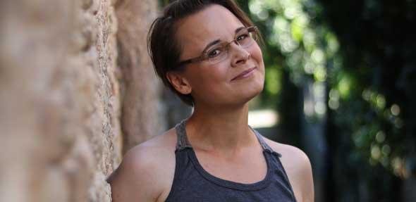 """Die Bechtheimerin Sissi Steuerwald feiert mit ihrem Buch """"Rose&Alick – eine Liebe ohne Dornen"""" ihr Roman-Debüt."""
