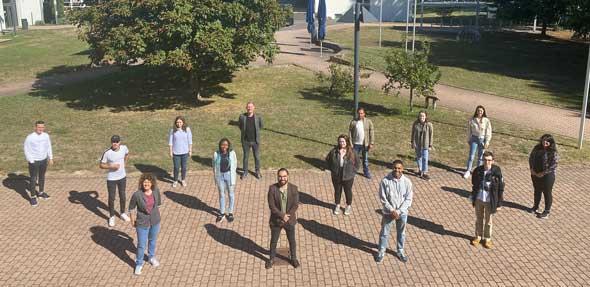 Abstand halten und kleine Gruppen sind in diesem Semester an der Tagesordnung. Die internationalen Austauschstudierenden erleben die Hochschule Worms unter ganz besonderen Vorzeichen. Foto: Theresa Huber