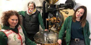 """Von links: Nina Stieler, Stephanie Gerber und Heike Mahler von der Kaffeerösterei """"Perro Negro"""" in Eich teilen die Leidenschaft für Kaffee.  Foto: Steffen Heumann"""