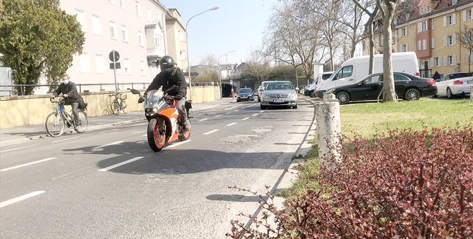 Als lobenswert – wenn auch schon vor 2005 angelegt – wurden die Radspuren am Neuhauser Tunnel erwähnt, wobei der anhaltend schlechte Zustand der Straße dort Anlass für deutliche Kritik gab.
