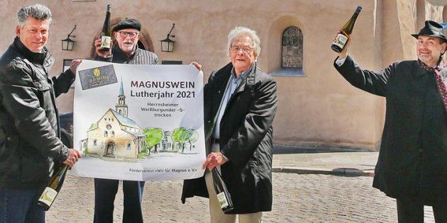 BU: Dr. Andreas Schreiber, Dr. Ulrich Oelschläger, Dr. Hans-Jürgen Dietrich und Pfarrer Dr. Achim Müller (von links). Foto: Rudolf Uhrig
