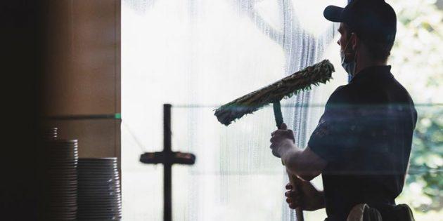 In der Gebäudereinigung sind Minijobs besonders stark verbreitet – und werden für die Betroffenen häufig zur Armutsfalle. Die IG BAU fordert, 450-Euro-Stellen sozialversicherungspflichtig zu machen. Foto: IG BAU