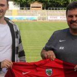 Rückkehrer Martin Röser mit dem Sportlichen Leiter Norbert Hess (von links).