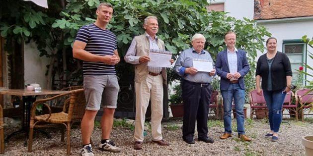 Die anwesenden Geehrten nahmen stolz die Ehrungen durch Jan Metzler entgegen