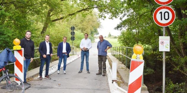 SGD-Präsident Prof. Hannes Kopf (3. von links) vor Ort in Pfeddersheim.