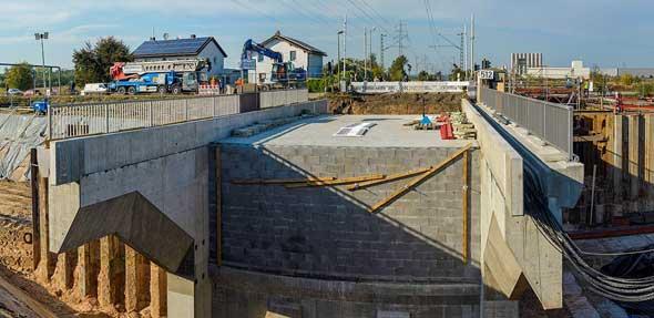 Die Unterführung am Fahrweg geht mit großen Schritten ihrer Fertigstellung entgegen. Foto: Horst Bless