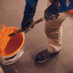 Beschäftigte im Maler- und Lackiererhandwerk haben auch in Pandemie-Zeiten viel zu tun – jetzt gibt es für sie mehr Geld. Foto: IG Bau / Ferdinand Paul